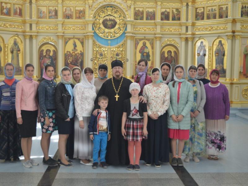 Православная молодежь Борисоглебска посетила Свято-Успенский Дивногорский монастырь.